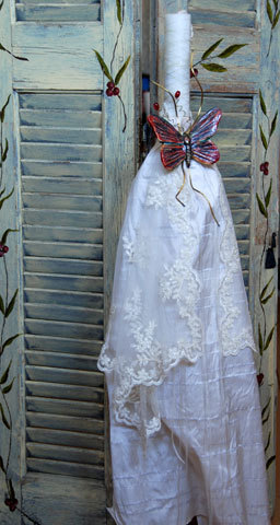 Λαμπάδα ντυμένη με ιβουάρ σαντούκ μετάξι